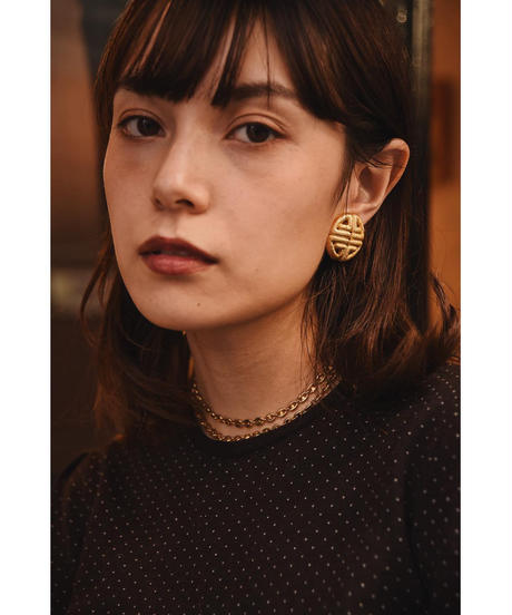 Givenchy / vintage gold clip-on earrings