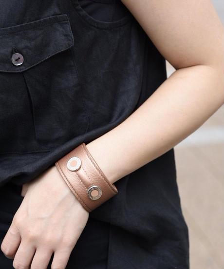 BVLGARI/ leather bangle
