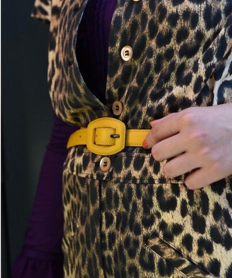 Yves Saint Laurent/ leather belt