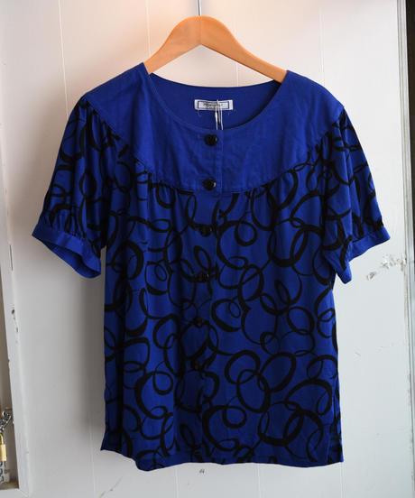 Yves Saint Laurent/ vintage design shirt.