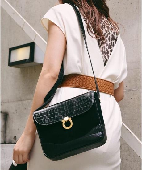 Salvatore Ferragamo/ leather&Suede shoulder bag.