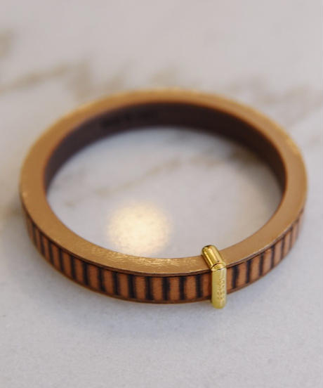 FENDI/ wood bangle