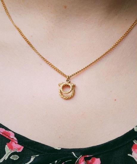 SalvatoreFerragamo/ gantini gold necklace.