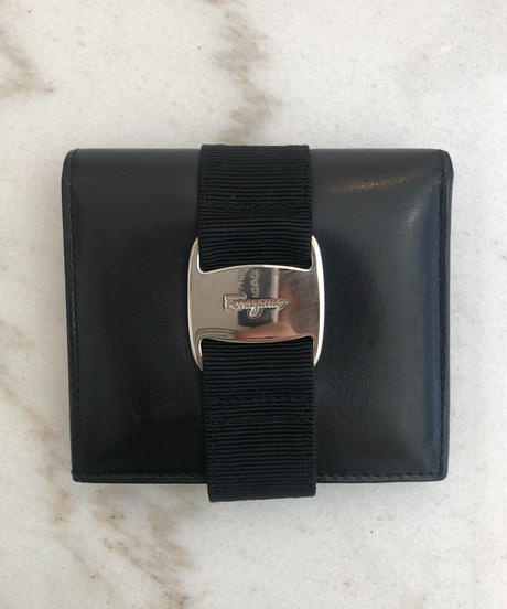 Salvatore Ferragamo/vara ribbon silver buckle wallet.