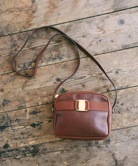 Salvatore Ferragamo/ vara ribbon leather shoulder bag.
