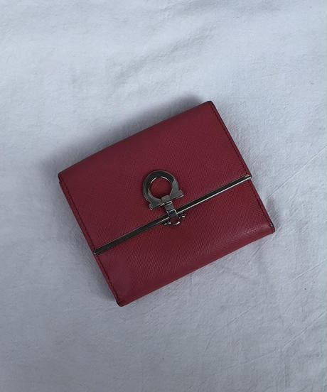 SalvatoreFerragamo / vintage gancini bi-folded wallet.
