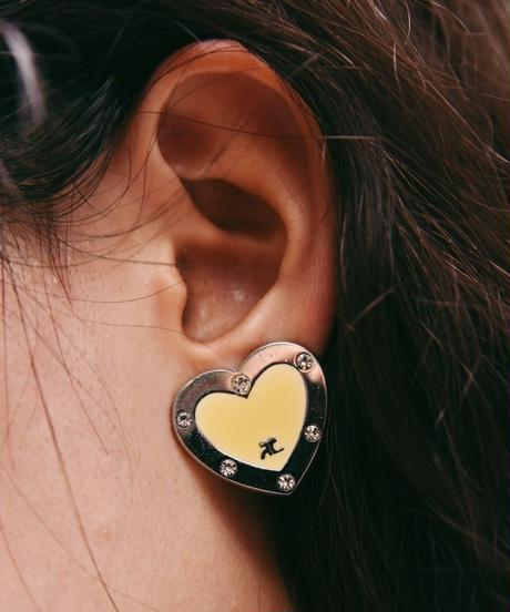 Courreges/ Heart motif earring.