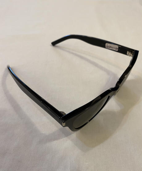 SAINT LAURENT PARIS/ classic sunglasses design by Hedi Slimane.(U)