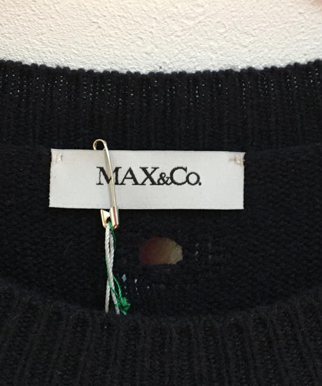 Max&co./ shoulder cut design knit.