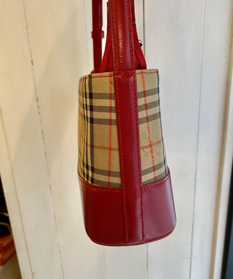 Burberry/vintage nova check shoulder/hand bag.(S)
