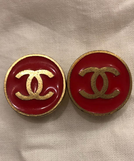 CHANEL/ Red logo earrings