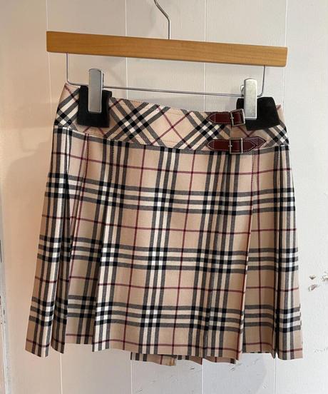 Burberry / vintage nova check pleats skirt.