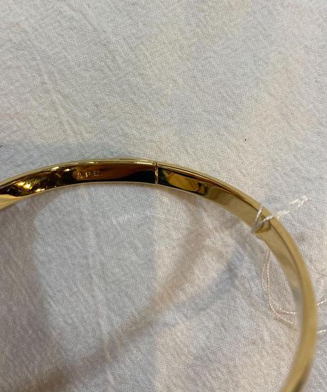 A.P.C /vintage simple gold bangle.