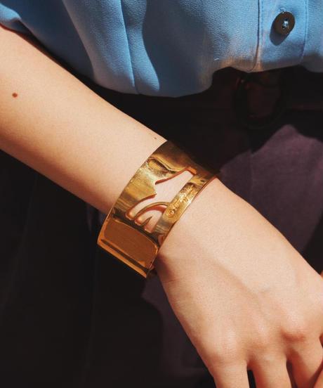 Ferragamo / Shoe motif gold bangle