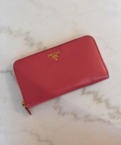 PRADA/  Leather triangle logo plate long wallet.