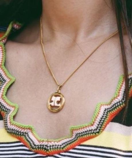 courreges/gold necklace