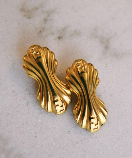 FENDI/ shell motif gold earrings