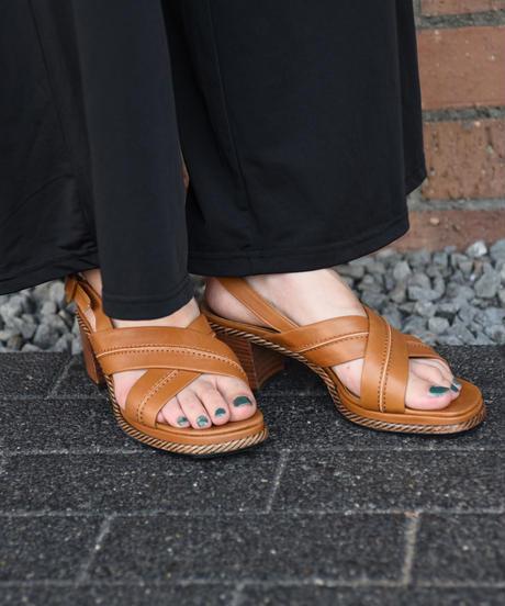 Yves Saint Laurent/ Cross sandal