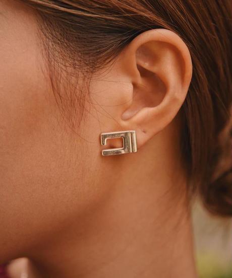 "GUCCI  / vintage ""G"" design silver pierce"