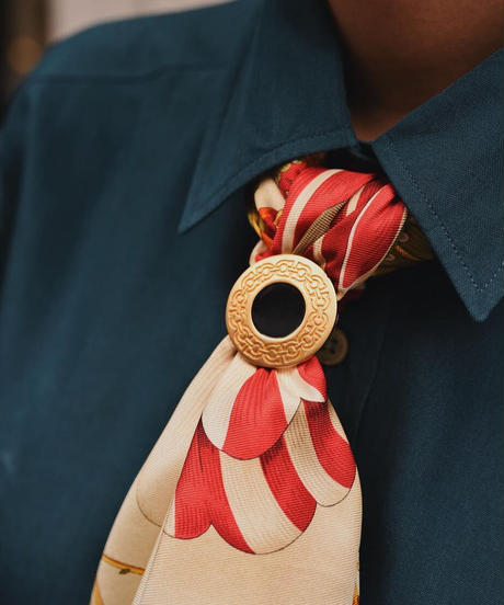 Salvatore Ferragamo/ vintage scarf ring./