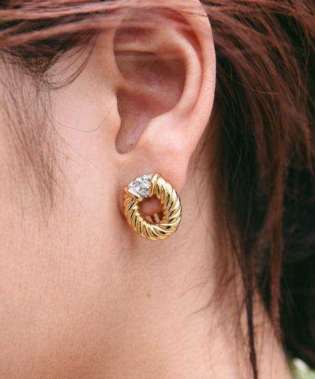 Burberry's/ stone gold earrings