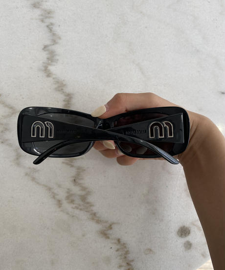 "miu miu/ ""m"" logo motif sunglasses."