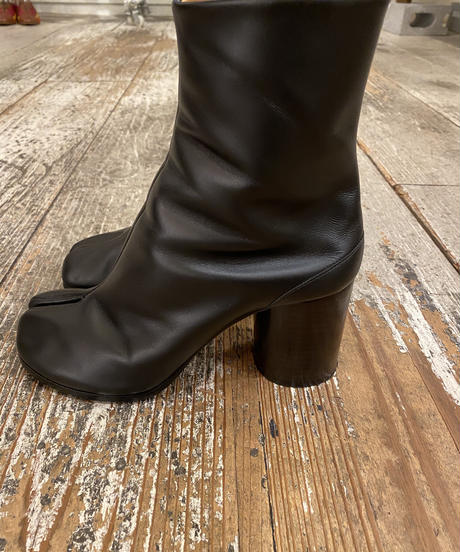 Maison margiela /  leather short boots.
