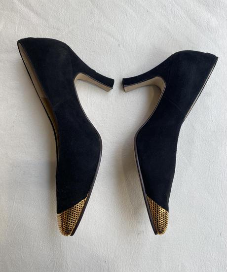 BALENCIAGA / pointed toe suède pumps.