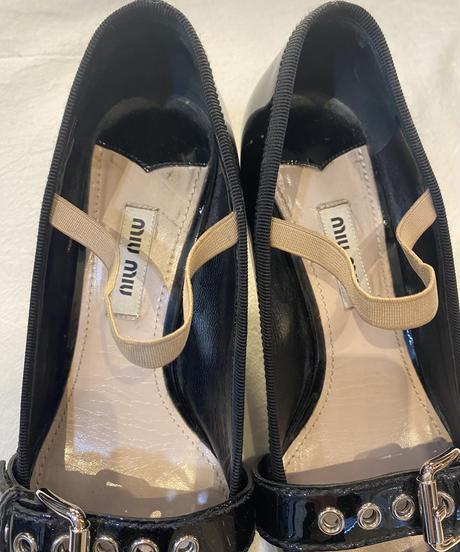 miu miu/vintage enamel belt design  strap shoes.