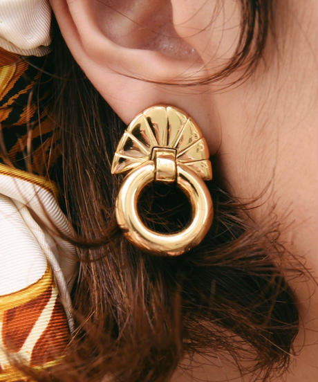 GIVENCHY/ shell motif gold earrings