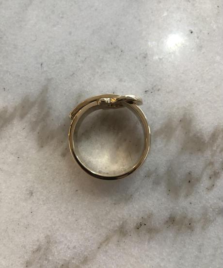 Salvatore Ferragamo /gold gancini scarf ring.(U)