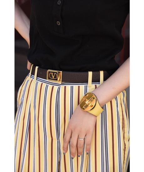 miu miu/vintage design leather bangle.(M)