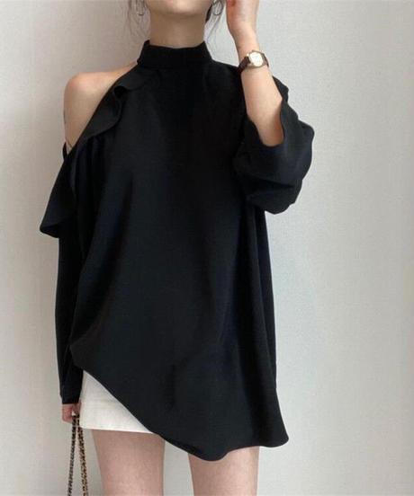Asymmetric off-shoulder blouse
