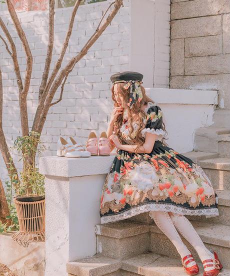 [Baroque]  Baroque x Sakizo Strawberry field's Cats ~イチゴ畑の猫たち~ プリントリボンベレー【ご予約商品】