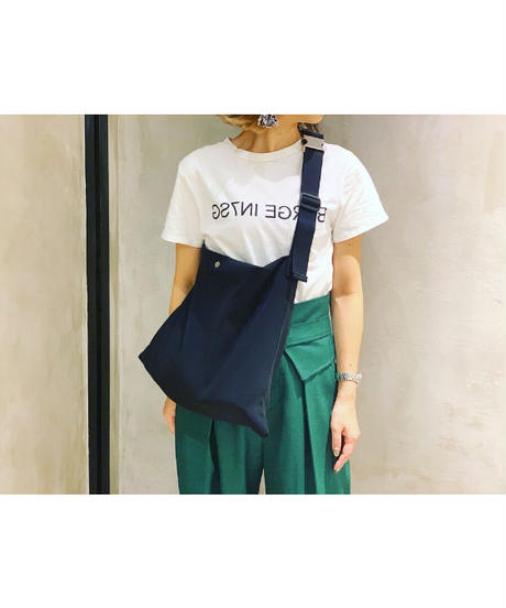 FOSI.× Ampersand ★ square tote bag