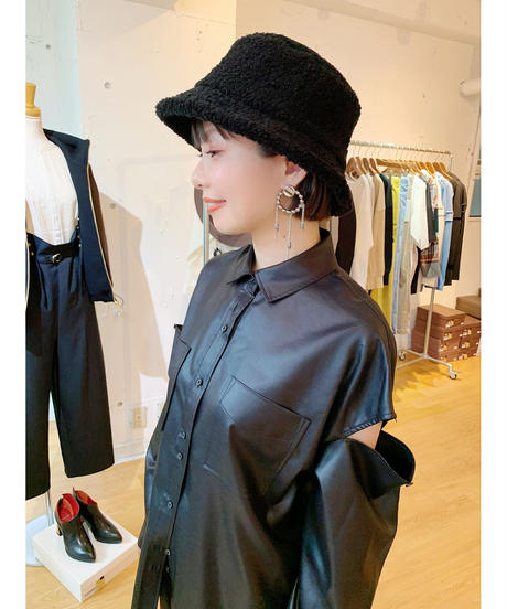 FOSI. ★ leather like open shoulder shirt