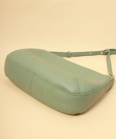 【B-21010】BEAURE ヴュレ カウレザー ショルダー バッグ