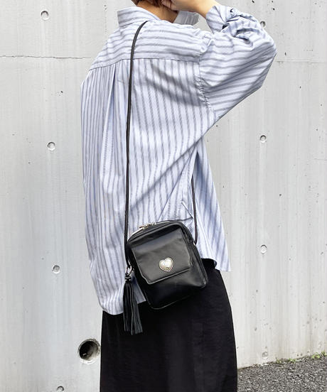 【B-21414】BEAURE カウレザー ハートコンチョ ポシェット
