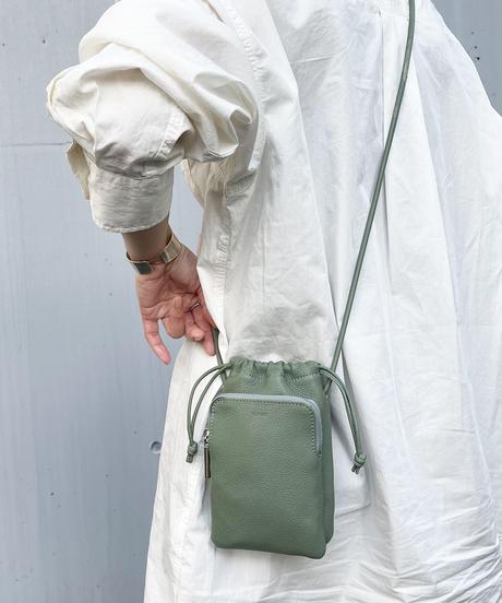 【B-21068】BEAURE ヴュレ カウレザー スマホ 巾着 ショルダー