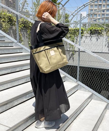 【B-20241】BEAURE ヴュレ 3ポケット バイカラー トート 【トレー付き】