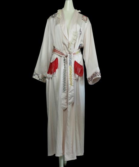【FUTURE】Graffiti Embroidery Silk Gown