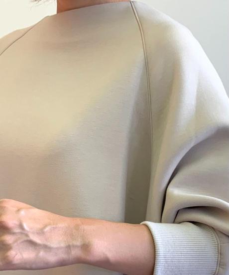 ◆NEW◆[Lallia Mu]フレアポンチプルオーバー【ベージュ】
