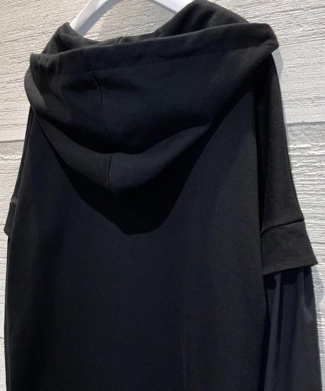 ◆NEW◆[Lallia Mu]バルーンスリーブフーディワンピース【ブラック】