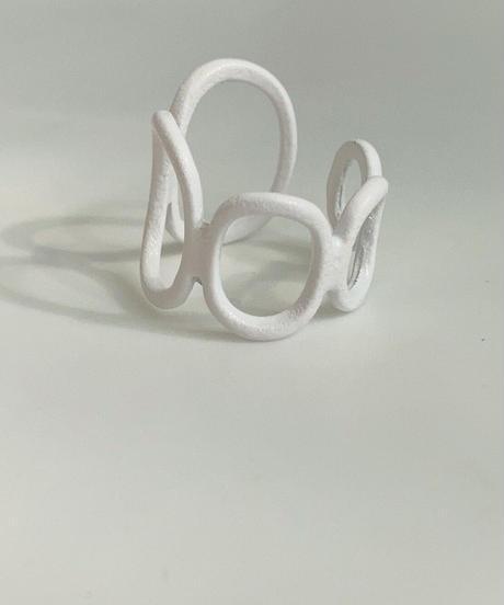 ポルキュースリング/Chain White