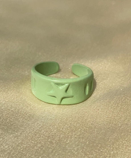 ポルキュースリング/Avocado Green Star Motif