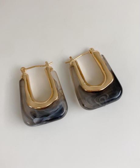 エニュ ミディピアス/Black Marble
