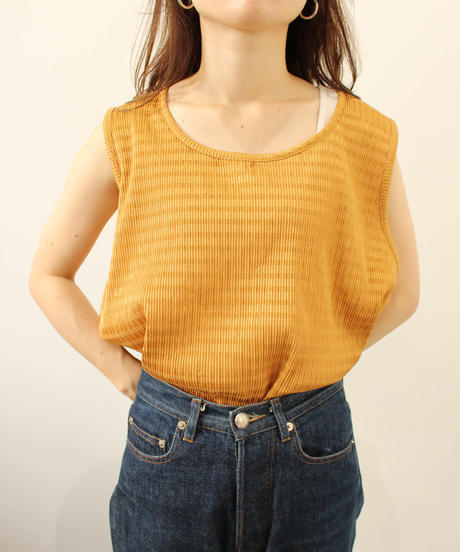 pleats nosleeve tops