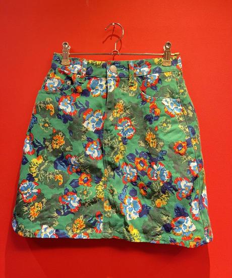 Trapezoid miniskirt