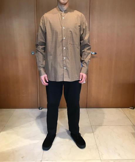 DAMON WIDE BAND COLLAR SHIRTS-BEIGE- モデル着用Lサイズ(身長178cm)