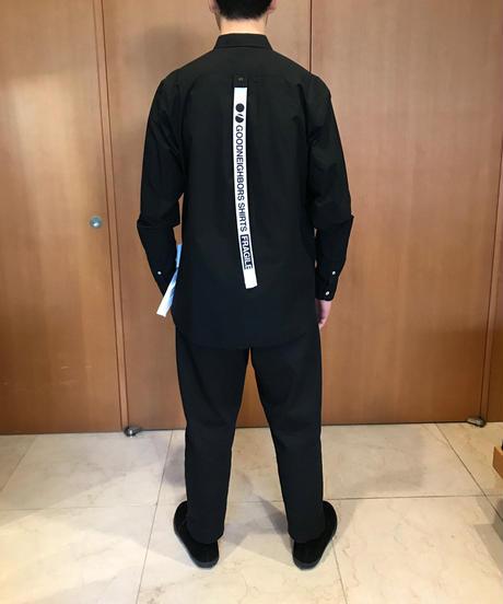 JOHN REGULAR COLLAR SHIRTS-BLACK- モデル着用XLサイズ(身長178cm)